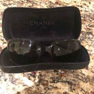 Accessories - Chanel limited edition Swarovski crystal sunnies!